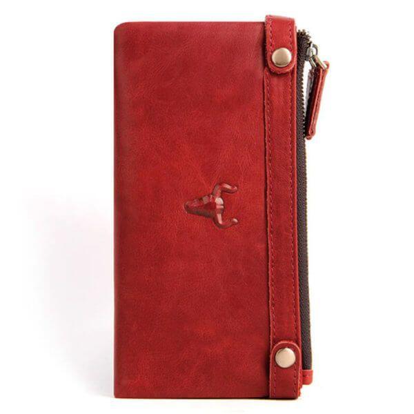 Foto de billetera larga clásica con doble cierre y broches de cuero natural mostrando su vista posterior en color rojo modelo solo para mujer