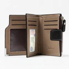 Foto de billetera de bolsillo elegante con broche y monedero de cuero PU mostrando su vista interior