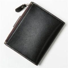 Foto de billetera de bolsillo elegante con broche y monedero de cuero PU mostrando su vista posterior en color negro