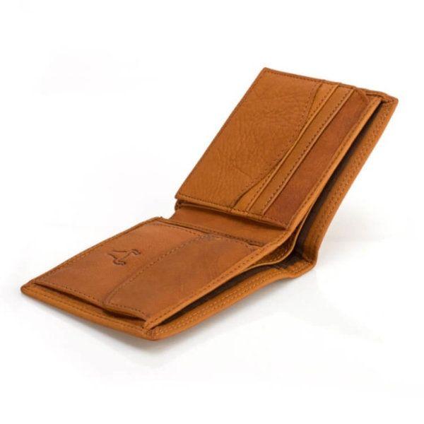 Foto de billetera clásica con monedero de cuero natural