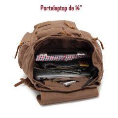 Foto de mochila vintage urbana de lona y cuero mostrando su capacidad de almacenamiento en color café