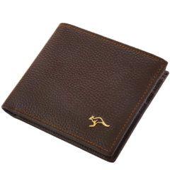 Foto de presentación de billetera clásica bifold de cuero natural en color marrón