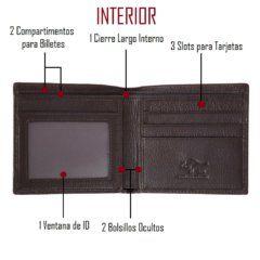 Foto de billetera clásica bifold de cuero natural mostrando sus detalles de bolsillos y tarjeteros en color marrón
