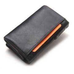 Foto de billetera portallaves con monedero de cuero natural y su vista posterior diagonal en color negro