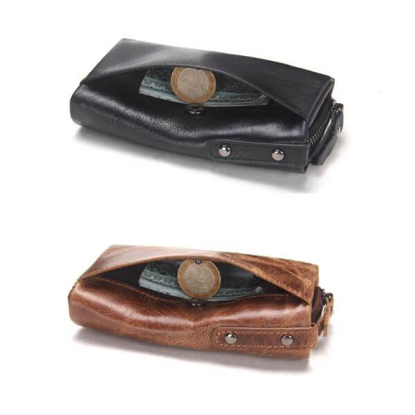 Foto de billetera portallaves con monedero de cuero natural mostrando espacio de bolsillos en color negro y marrón