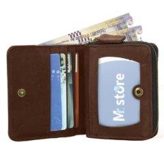 Foto de billetera vertical vintage bifold con cierre de cuero natural mostrando su vista frontal y su capacidad de almacenamiento en color marrón