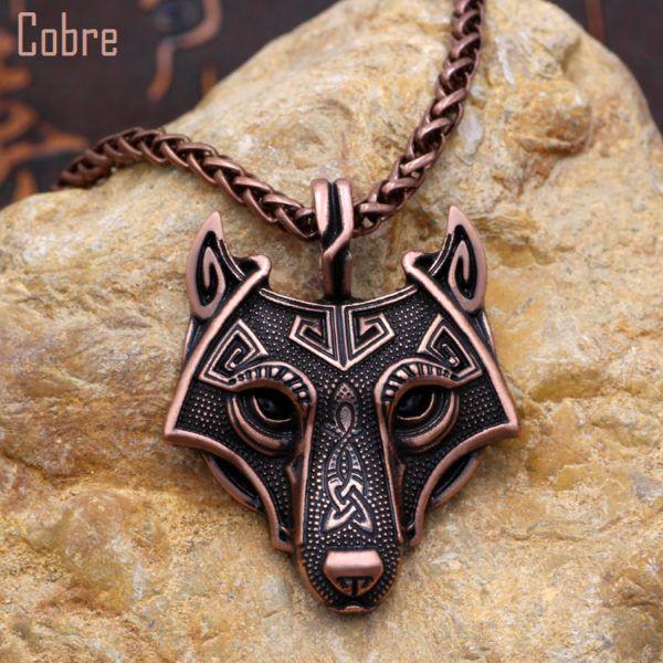 Foto de collar fenrir amuleto de lobo vikingo referencia mostrando en color cobre