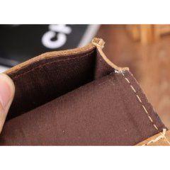 Foto de portacelular para cinturón de cuero natural mostrando su vista interior en color marrón