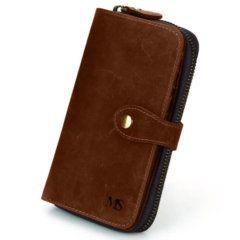 Foto de presentación de la billetera portacelular con broche y cierre, estilo vintage, hecha de cuero real.