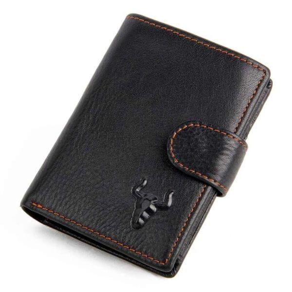 Foto de presentación de billetera vertical clásica con broche y monedero de cuero natural en color negro