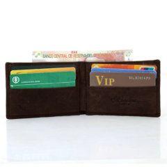 Foto de billetera vintage minimalista de cuero natural mostrando vista de capacidad frontal en color café