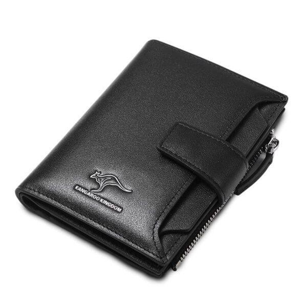 Foto de presentación de billetera vertical ejecutiva con broche de cuero natural mostrando su variación en color negro