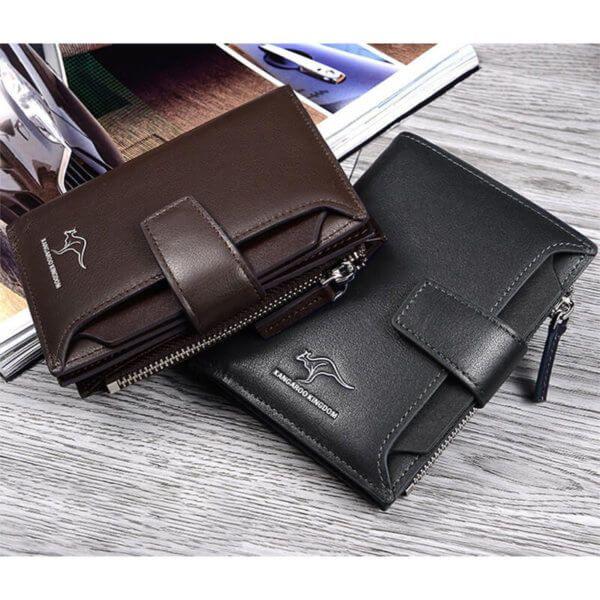 Foto de billetera vertical ejecutiva con broche de cuero natural mostrando sus colores disponibles café y negro