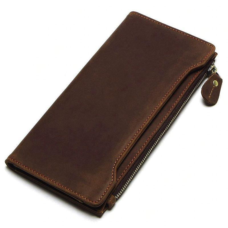 ca1b2ba6a Foto de presentación de billetera larga vintage bifold con cierre de cuero  natural en color café