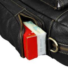 Foto de maletín morral clásico urbano viajero de cuero natural mostrando una vista de almacenamiento de los bolsillos laterales en color negro