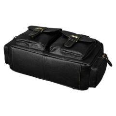Foto de maletín morral clásico urbano viajero de cuero natural mostrando la vista de su base inferior en color negro